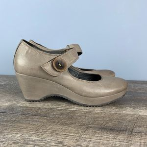 Khrio Brown Taupe Leather Mary Jane Wedges 41